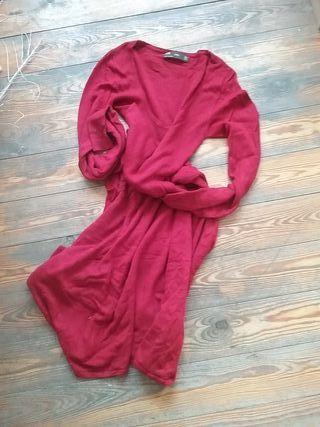 Vestido largo de punto. Rojo oscuro.