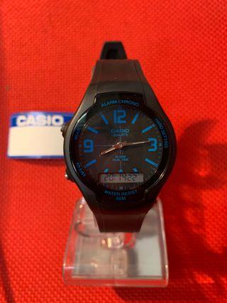 Reloj Casio analógico digital modelo AW-90H-2BVDF