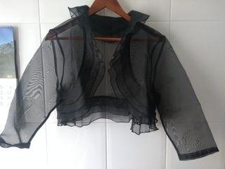 chaqueta/ bolero /negra