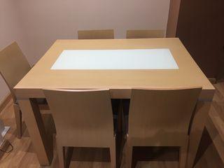 Mesa comedor , 6 sillas + mueble TV