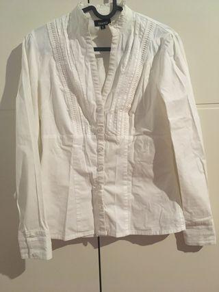 Camisa blanca de blanco