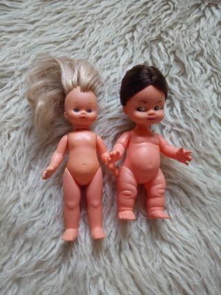 2 muñecas tipo barriguitas