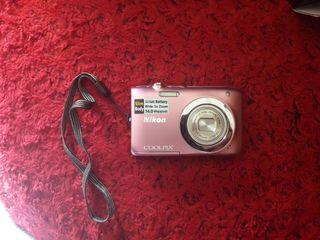 Cámara Nikon S2600