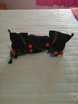 botines negros hippies