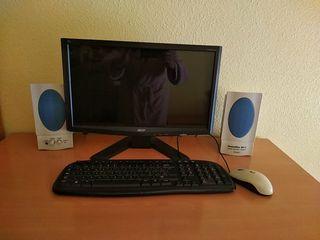 Pantalla, teclado, altavoces y ratón ordenador