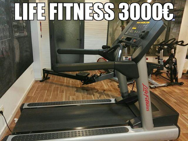 Cinta de correr Life Fitness.