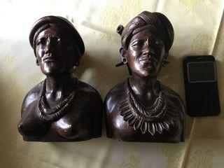 Dos bustos