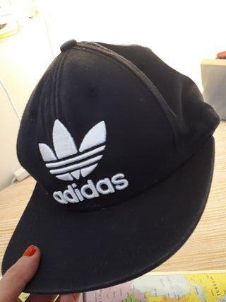 Gorra negra Adidas original