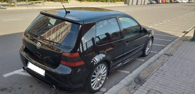 Volkswagen Golf R32 IV