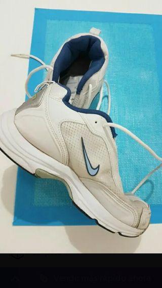 374505606c8110 Zapatillas Nike mujer de segunda mano en la provincia de Málaga en ...