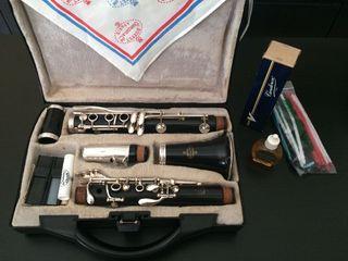 Vendo clarinete Buffet E-11
