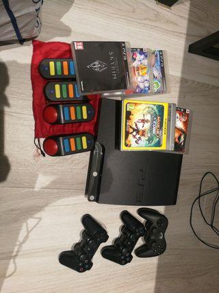 Consola PlayStation 3 + mandos + juegos