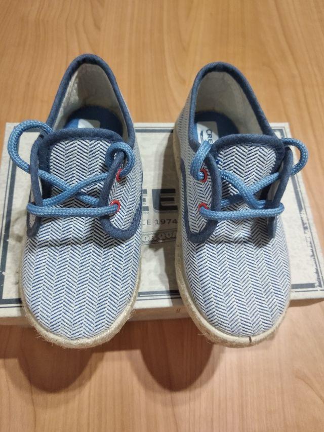 5dfe3b7aae0 Zapatos niño talla 26 de segunda mano por 8 € en Madrid en WALLAPOP
