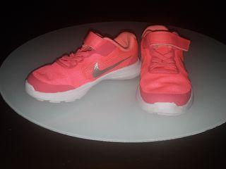 Nike talla 28, Rosa fuerte