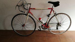 Tres bicicletas, precio a convenir