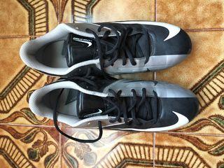 Botas de fútbol Nike.