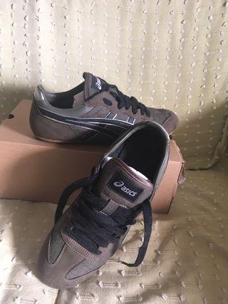 Zapatillas asics de segunda mano por 50 € en El Puerto de