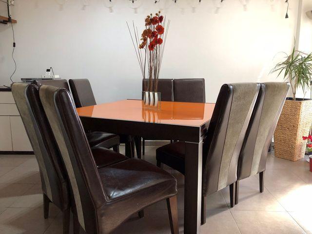 Mesa comedor y 8 sillas (precio negociable) de segunda mano por 800 ...