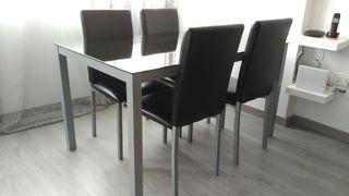 Conjunto de mesa y 4 sillas color negro