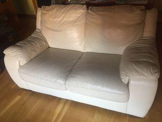 Sofá de piel y tejido