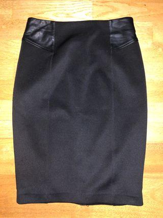 Falda negra de segunda mano en la provincia de Ávila en WALLAPOP 28001b03cc5b