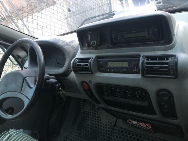 Camión Renault Con Grua 2003