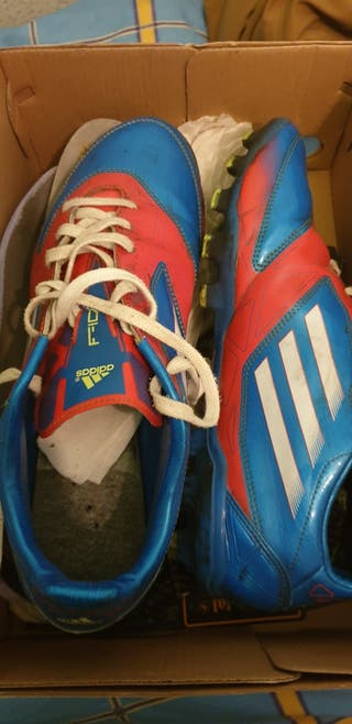 adidas F50 cesped artificial.