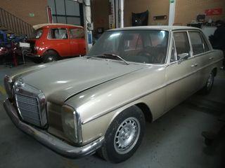Mercedes-Benz w114/115 1977