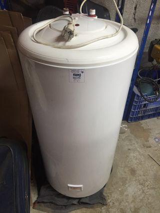 Calentador de agua eléctrico .100 litros.