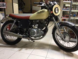 Moto Yamaha 250 café racer