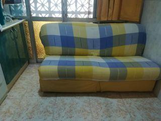 Sofa cama +colcha cuadros+ 2 brazos laterales