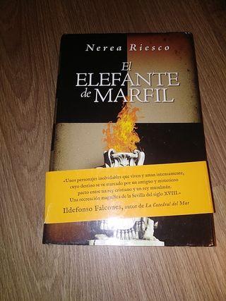 Libro El elefante de marfil de Nerea Riesco