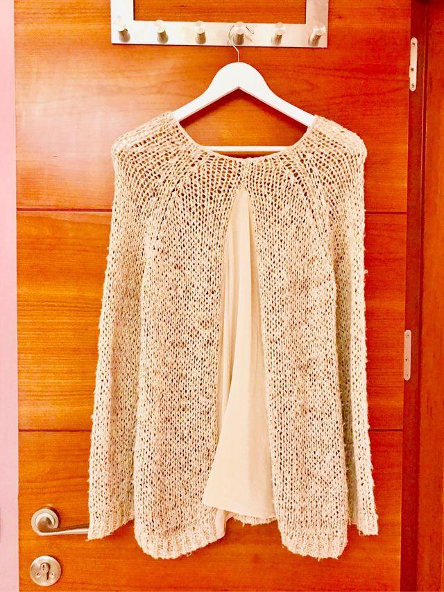 Jersey de lana y seda MASSIMO DUTTI (160€).