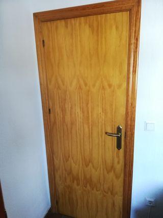 Puertas de madera interiores de segunda mano en wallapop for Puertas de paso segunda mano