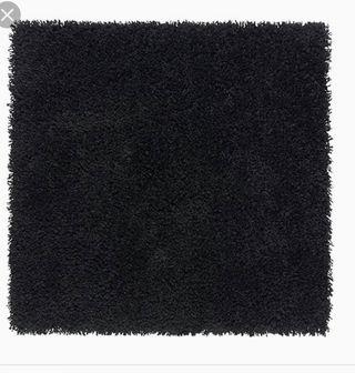 dos Alfombras negras Ikea pelo largo