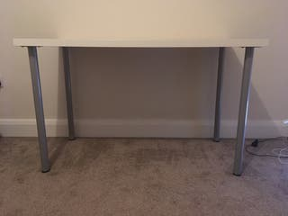 Desk nearly new to sell