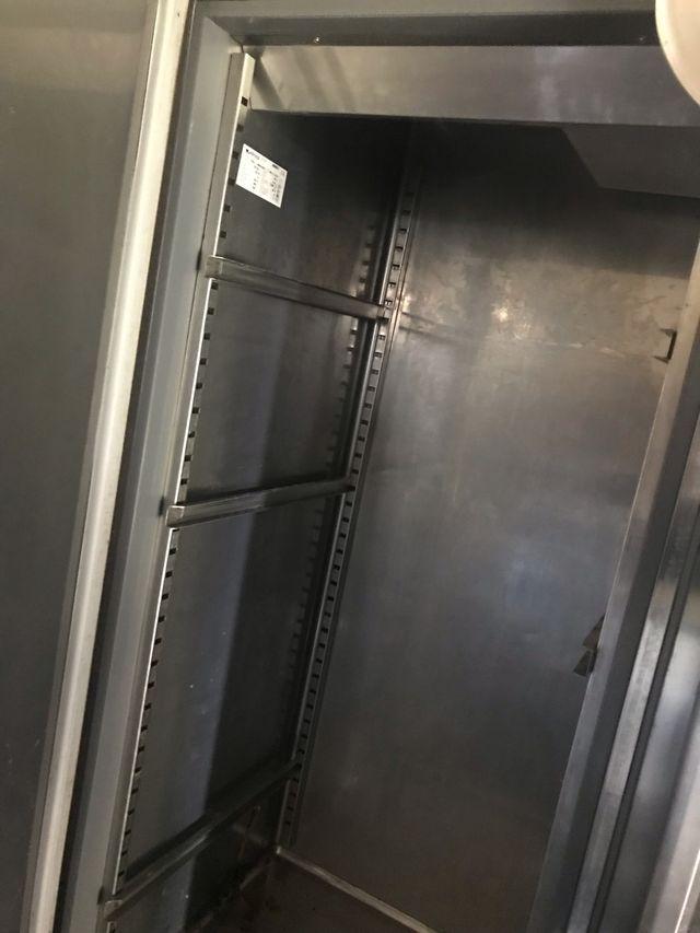 Nevera industrial dos puertas