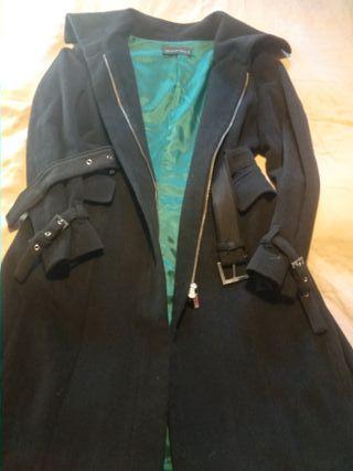 Abrigo negro Purificación García talla 42