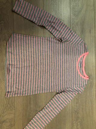 Camisa de líneas rosa y gris