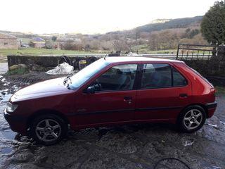 Peugeot 306 1998. No se acepta ningún cambio.