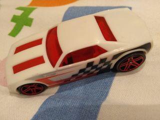 coche blanco hot wheels