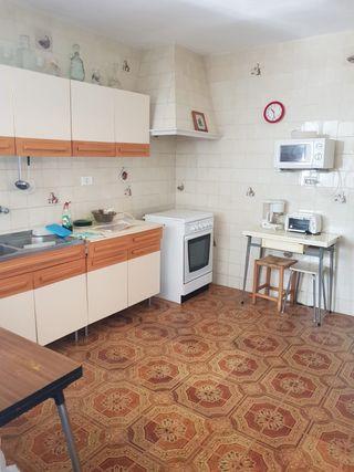Casa con patio y garaje en venta