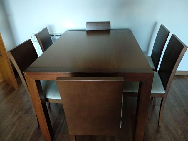Mesa comedor color nogal madera de segunda mano por 300 € en El Prat ...