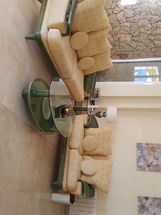 conjunto de sofás y dos mesita