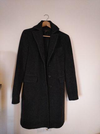 abrigo color gris