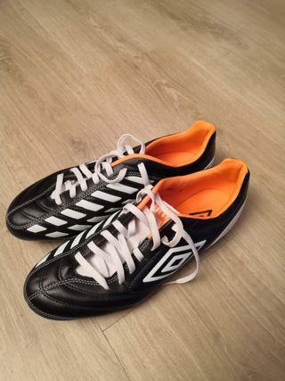 Zapatillas futbol tacos Umbro talla 44