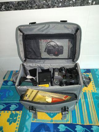 Cámara Reflex Pentax P30T + Flash Starblitz 250BAZ