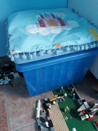 contenedores plástico juguetes