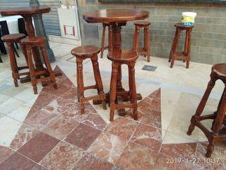 mesas altas y taburetes