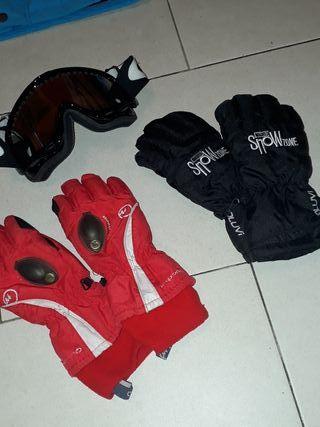 Gafas y guantes esquí niño o niña.